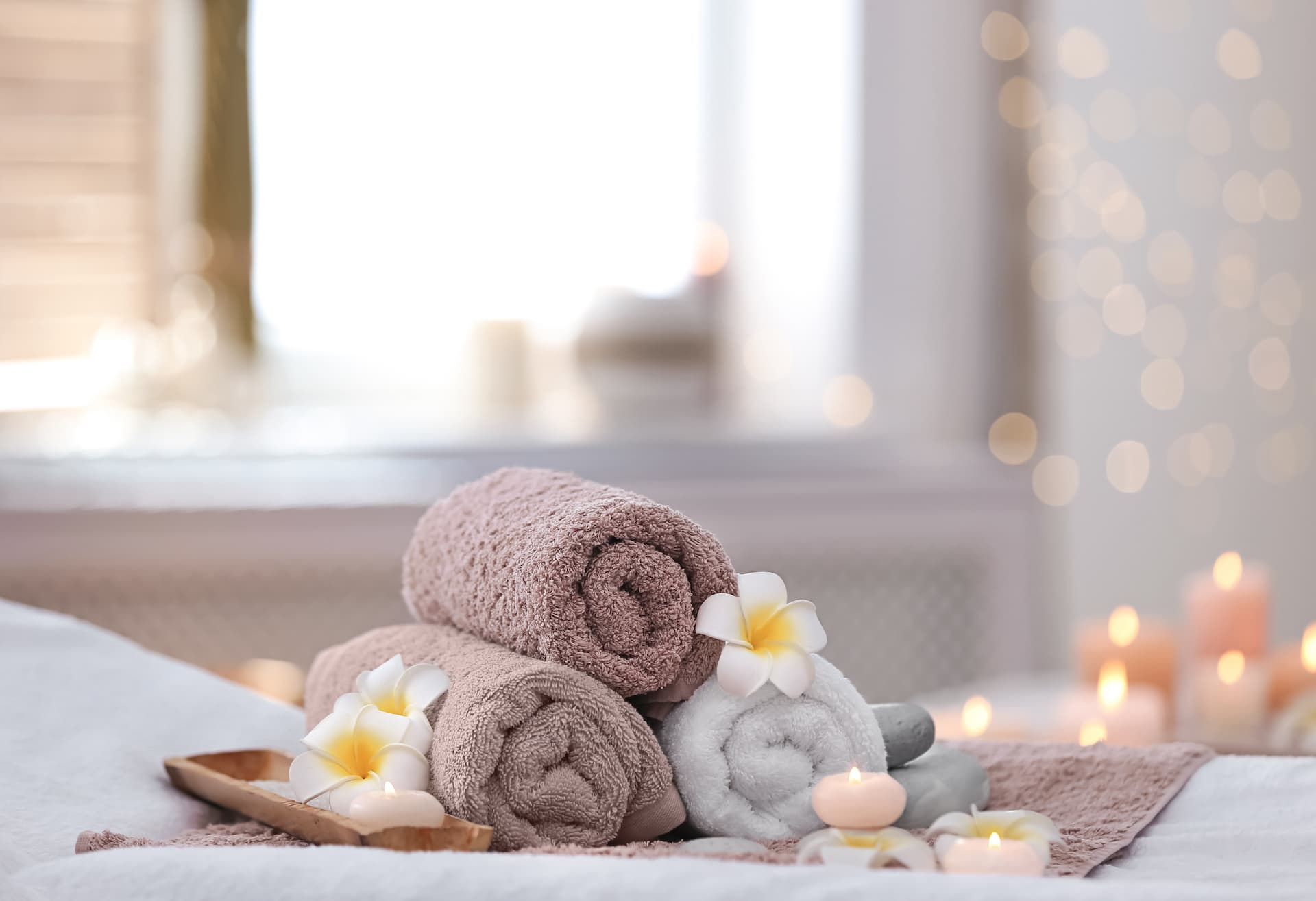 towels on massage table