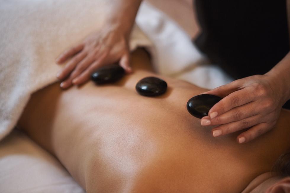 Ultimate Relaxation – Hot Stone Massage